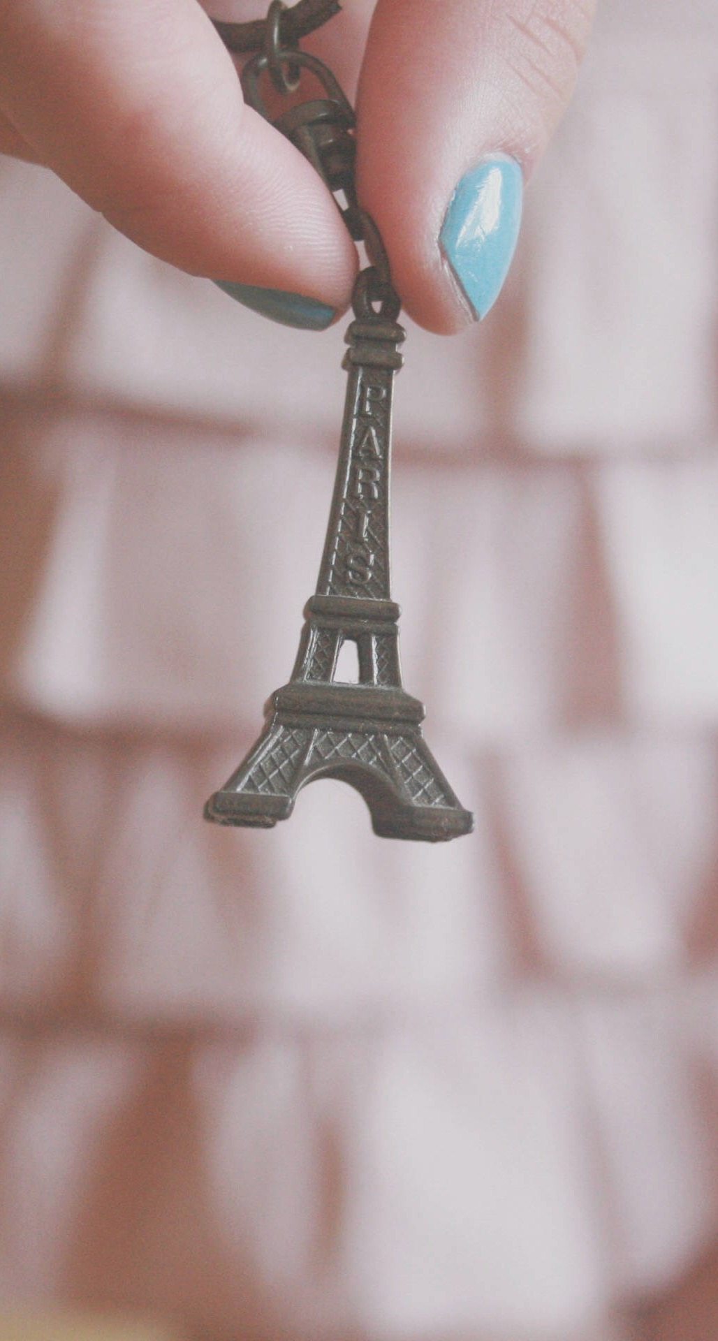 Eiffel Tower Paris Key Ring Miniature Android Wallpaper Wallpaper